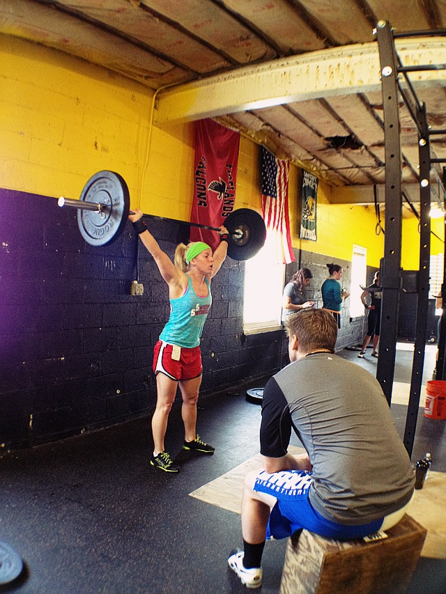 CrossFit Ladies: Does Bar Size Matter? | Experiences Over Things